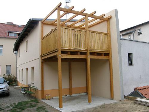 Balkon mit Überdach