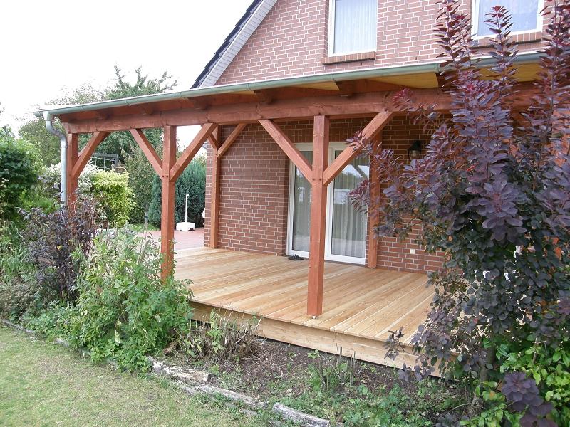Terrassendach mit sichtbarer Holzschalung